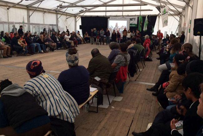 closing_plenary_organisers_take_a_bow_nyelenism